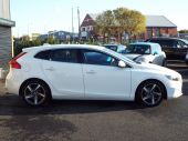 VOLVO V40 1.6 D2 R-DESIGN LUX 5DR !! FULL HEATED LEATHER !! - 611 - 10