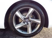 VOLVO V40 1.6 D2 R-DESIGN LUX 5DR !! FULL HEATED LEATHER !! - 611 - 19