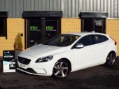 VOLVO V40 1.6 D2 R-DESIGN LUX 5DR !! FULL HEATED LEATHER !! - 611 - 1