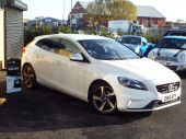 VOLVO V40 1.6 D2 R-DESIGN LUX 5DR !! FULL HEATED LEATHER !! - 611 - 5